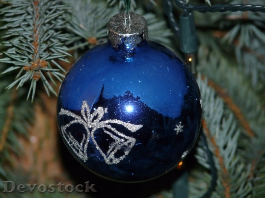 Devostock Glass Ball Christmas Ornamnt 1 4K