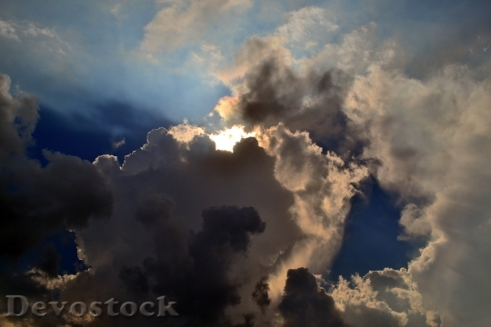 Devostock Sky Light Cloudy Miracle 4K
