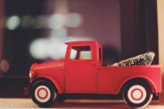 Devostock Toy Car ChristmasTree 4K