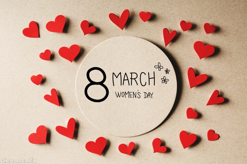 8 March Women's day message with small hearts