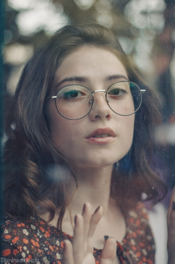 Devostock Girl Beautiful Beauty Eyeglasses Innocent 4K