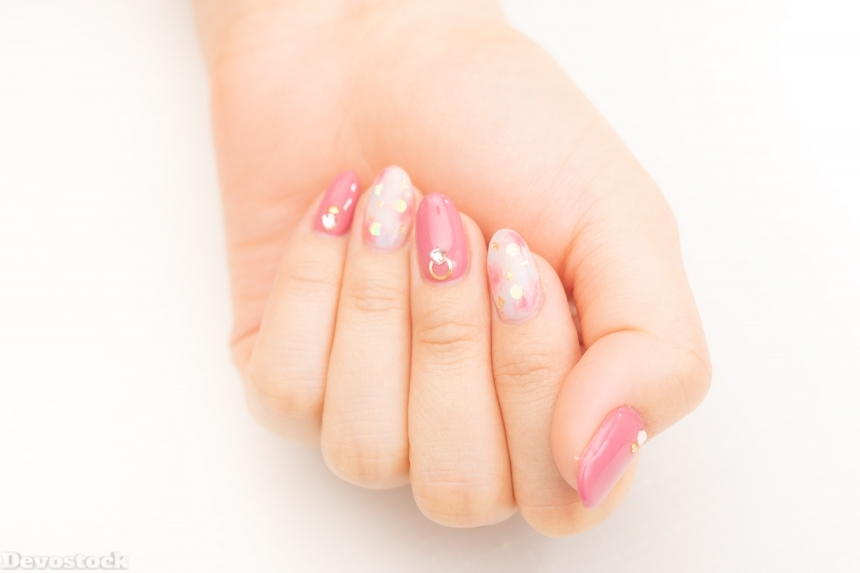 Devostock Girl hand Fingers Nails Arts Pink Color 4k