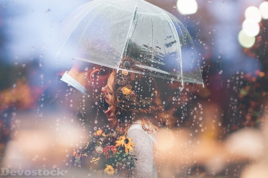 Devostock Married Couple Romantic Umbrella Raining Weeding 57 4K