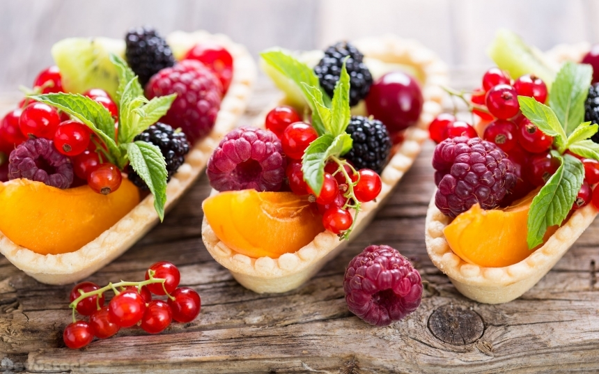 Berry fruit tarts